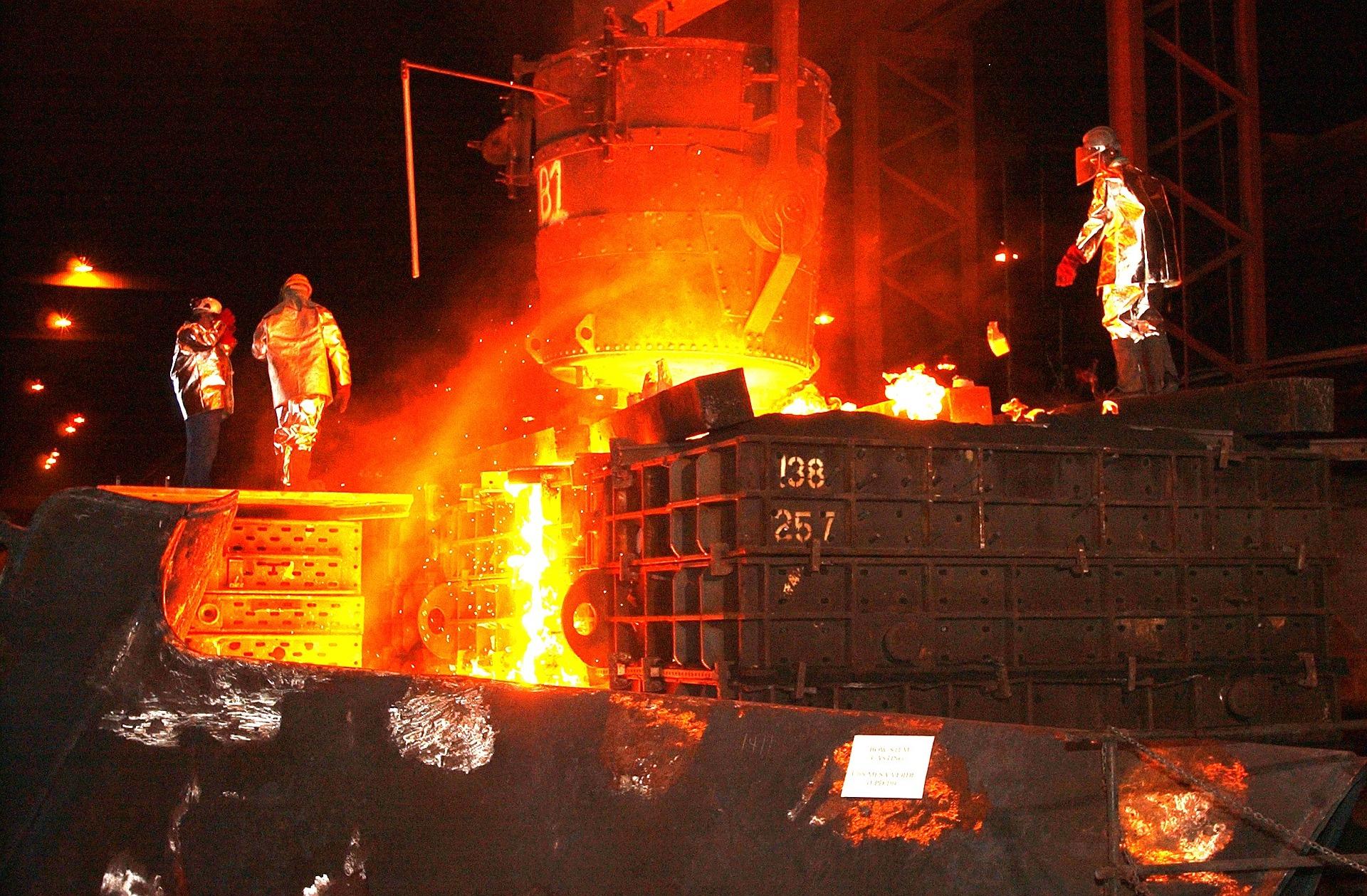 steel-mill-616536_1920